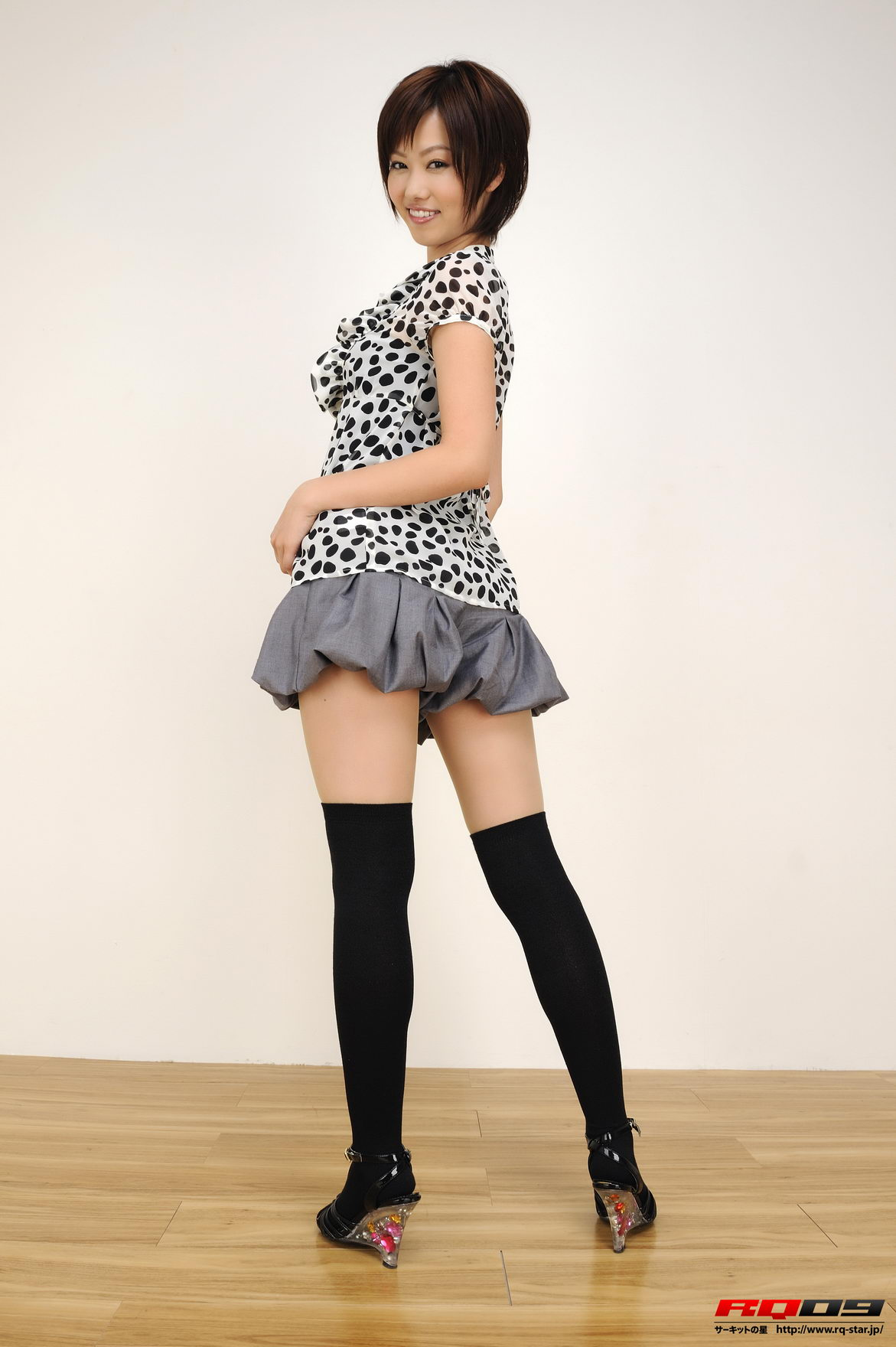 Main pictures gallery of emiri fujimura private dress next picture